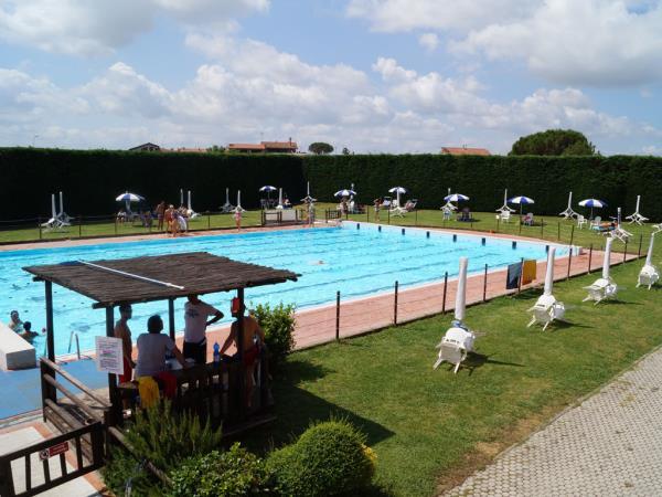 Asd nuoto valdinievole piscina comunale monsummano terme pistoia corsi di nuoto corsi di - Piscina comunale monsummano ...